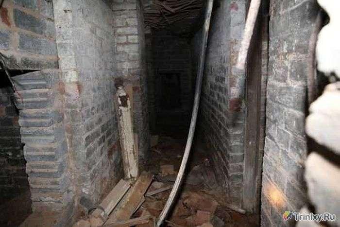 Зловісне підземелля в орендованій квартирі (13 фото)