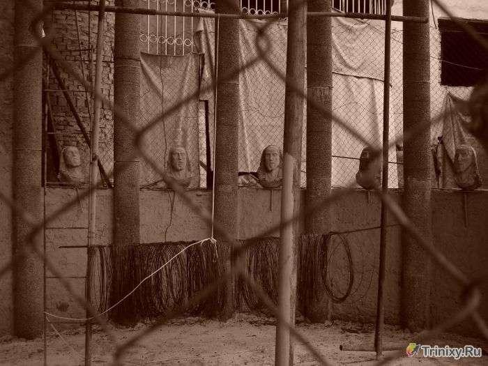 Іспанська храм зі сміття (34 фото)