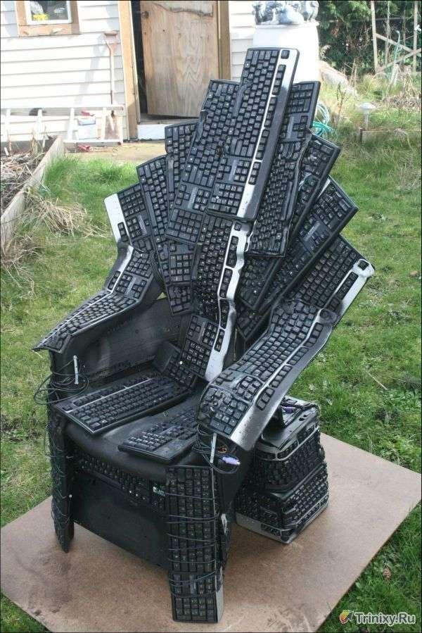 Крутий трон з клавіатур (6 фото)