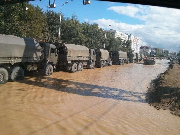 Боротьба МНС з повінню на Амурі (34 фото + відео)