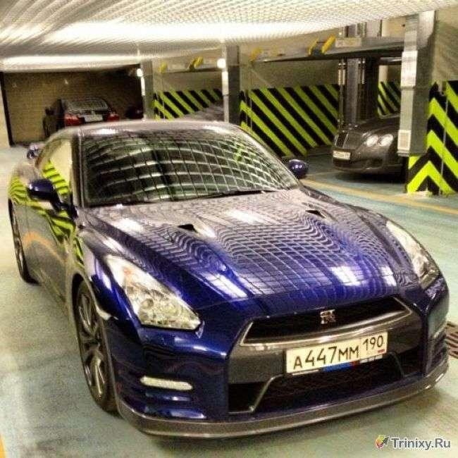 Дівчина розбила вщент заряджений Nissan GT-R (7 фото + відео)