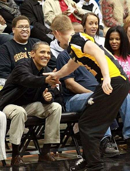 Банан не мій - фото президента Обами (11 фото)