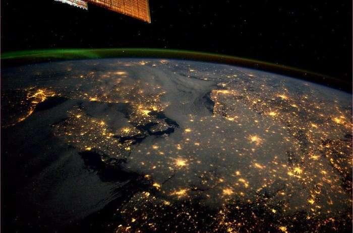 Дивовижна планета Земля з борту Міжнародної Космічної Станції (25 фото)