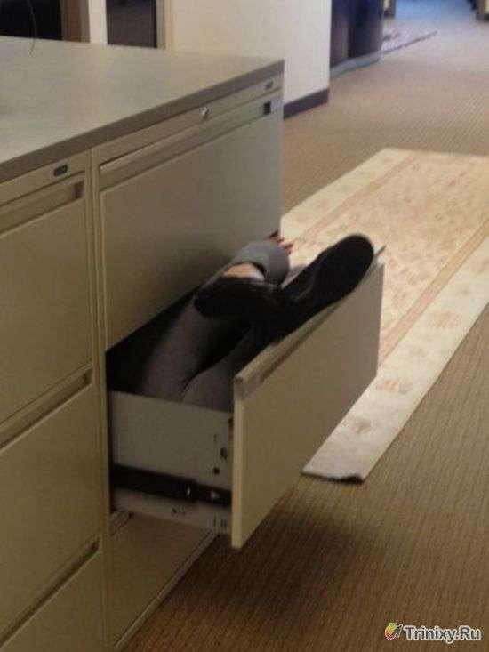 Приколи на робочому місці. Частина 5 (54 фото)