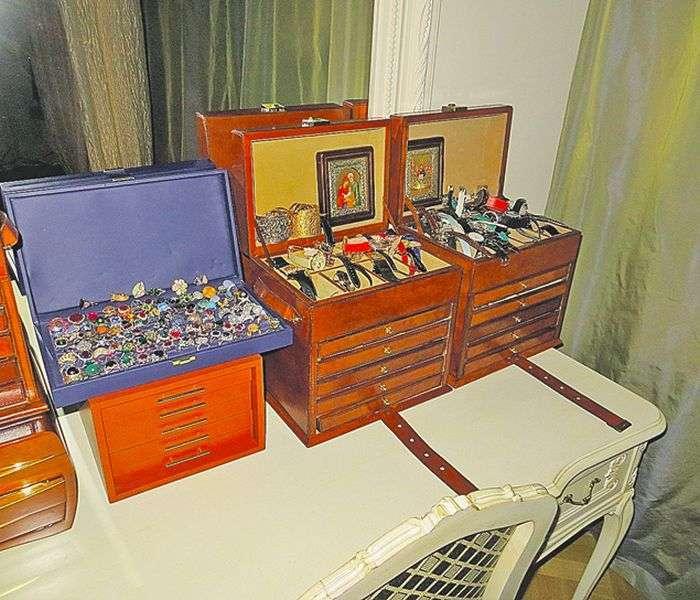 19 кг золота і платини в одній квартирі (6 фото)